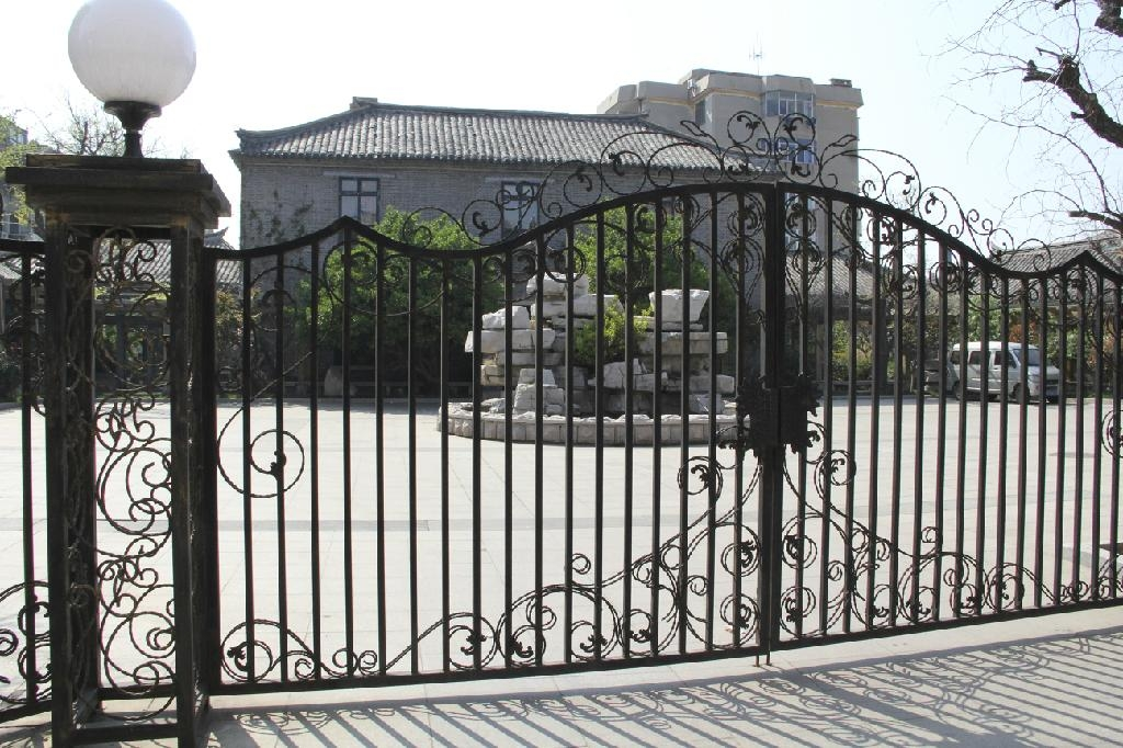 New_latest_house_iron_factory_main_gate_designs on Iron Entrance Gates Designs
