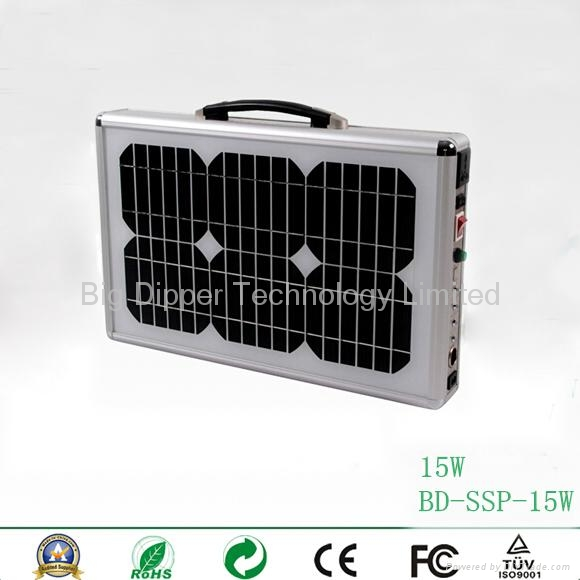 15W Ultra-Thin Portable Solar Power System with  LED Lighting 3