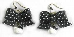 布耳环饰品