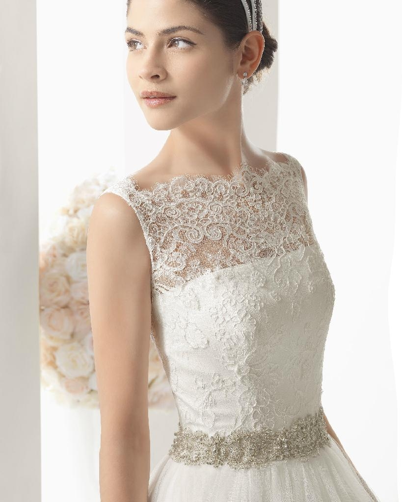 Elegant lace wedding gowns A line beaded wedding dress cheap bridal dress 2