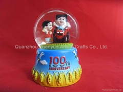 Wholesale custom resin snow globe