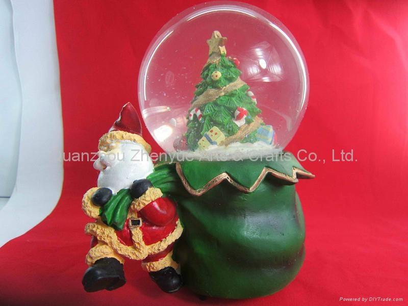 Wholesale custom resin snow globe 5