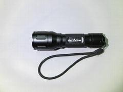 強光伸縮調焦手電筒