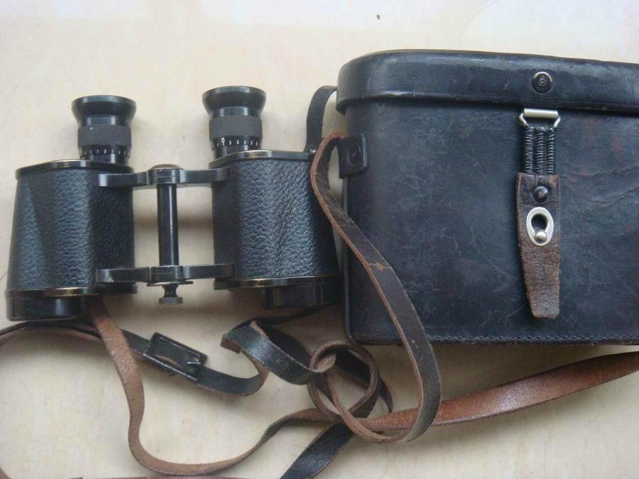老款62式望远镜及背包