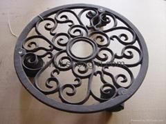 Cast iron flower pot hol