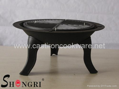 BBQ grill with rotating net cover 5