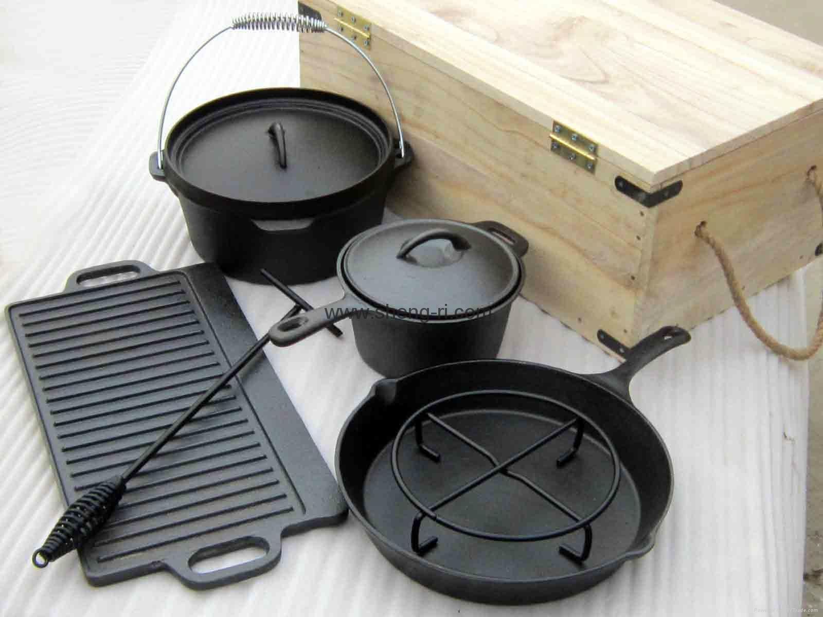 Outdoor cast iron cookware set with wooden box srmx