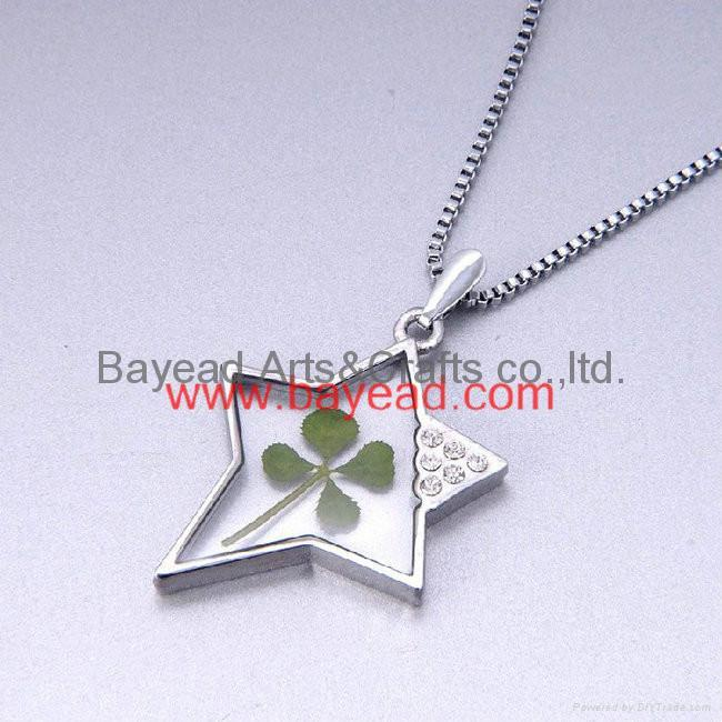 4 leaf Lucky Clover Necklace Shamrock jewelry Valentines Gift 2