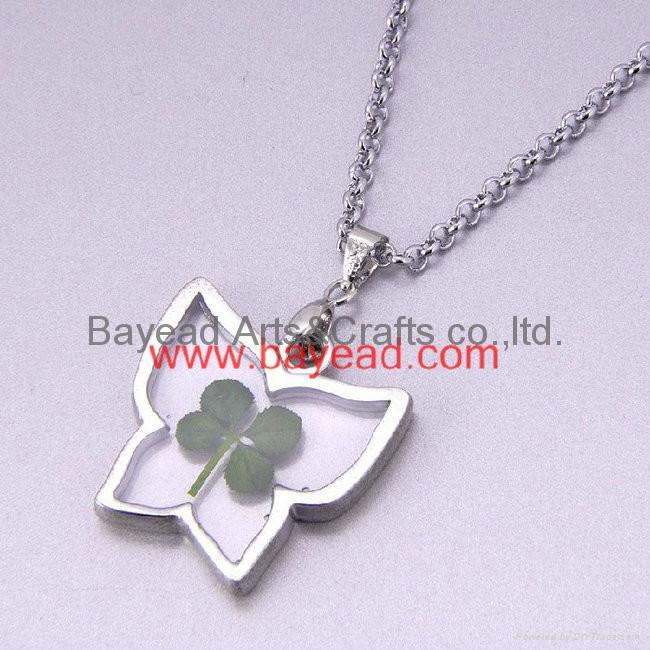 4 leaf Lucky Clover Necklace Shamrock jewelry Valentines Gift 3