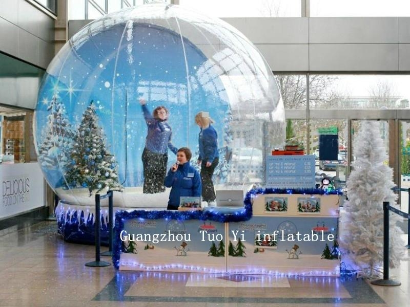 Life Size Christmas Snow Globe For Christmas Decoration 3
