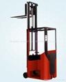 Narrow-aisle Forklift