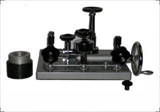YS--6型活塞式压力计 1