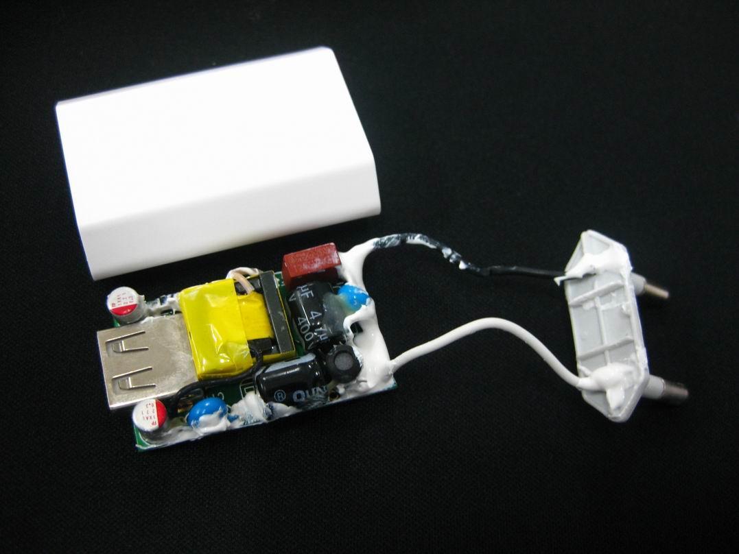 欧洲认证CE适配器1a、欧规适配器USB接口、欧洲插头充电器 5