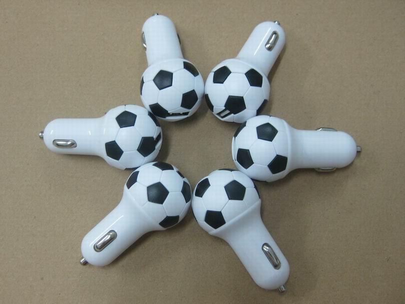 足球形状usb车充2.1a单口usb足球车载充电器ce fcc认证 2