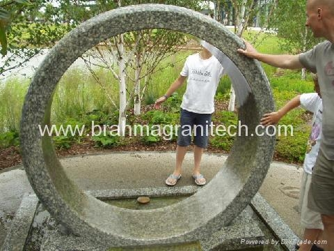 ring fountain,floating ring,wheel fountain