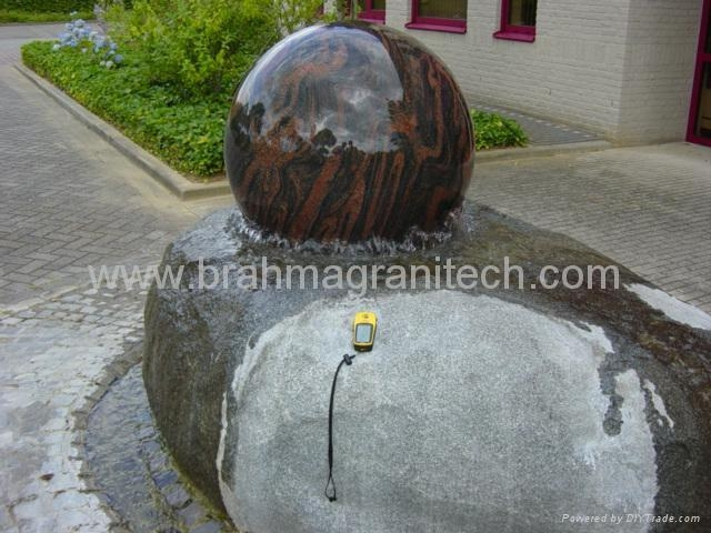floating spheres,floating balls,water ball ,ball water feature