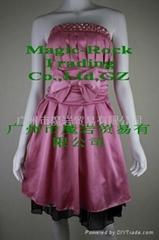 新款時尚抹胸連衣中裙