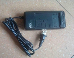 数码摄像机充电器