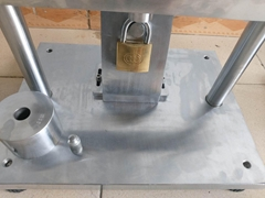 Torsion test of copper lock cylinder key of padlock cylinder testing machine