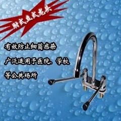 供應立式肘式混水節水龍頭