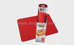 PYRAMID PAN 硅膠烤墊多功能烤盤金字塔烤墊 微波爐烤墊廚房工具