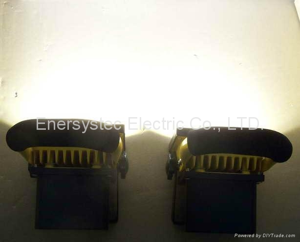 10W emergency rechargeable flood light with RoHS and CE certificated 7