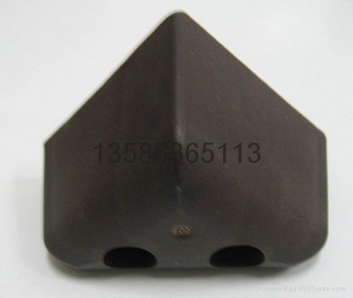 三角塑料沙發腳 4
