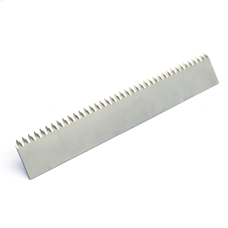包裝機械用長條帶齒直刀 1