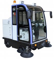 SD2000QF驾驶式扫地车