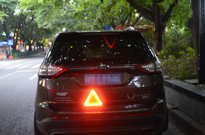 LED移動閃爍三角警示牌 7