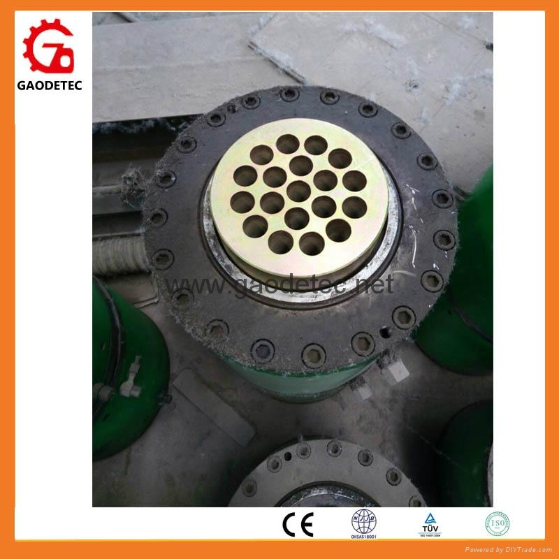hydraulic ram for multistrand prestressed anchor