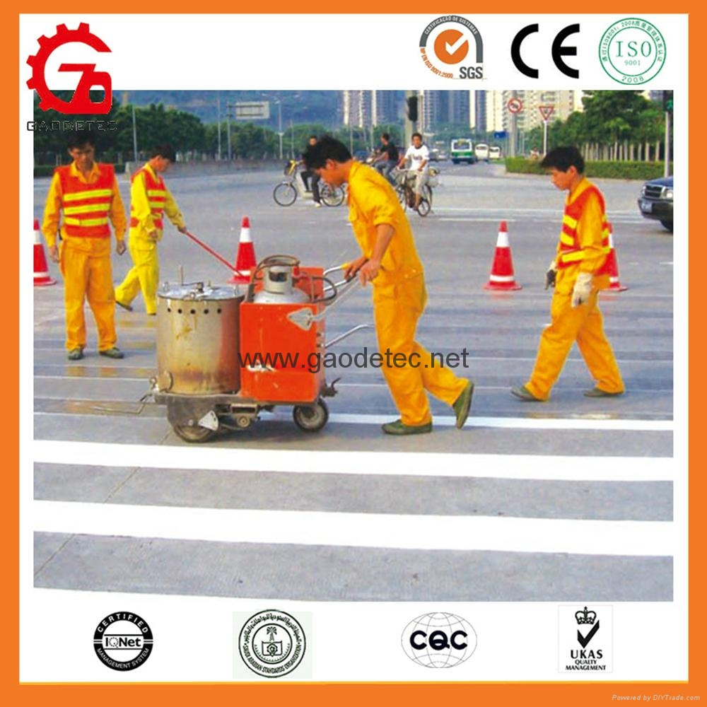GD320 thermoplastic road marking machine is marking on street