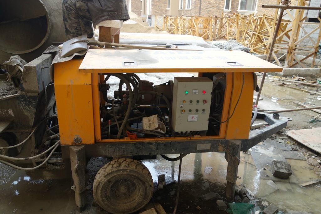 small portable concrete pump