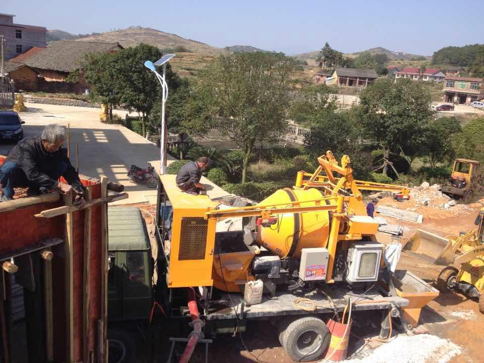 trailer mixer and concrete pump