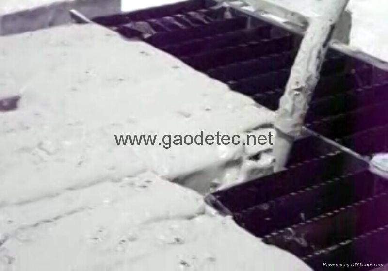pour foam concrete to manual molds