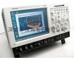 泰克TDS7104数字荧光示波九成新附件齐全特价出售