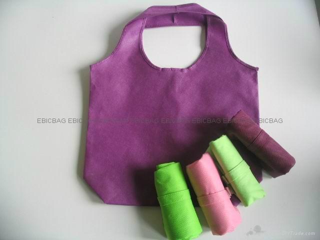 購物袋一般用無紡布,腹膜無紡布,編織布,腹膜編織布,腹膜麗新布等來製作,可以印刷各種圖案