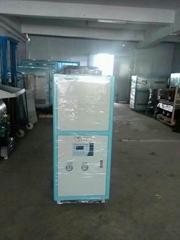 高精密型低溫循環水冷水機