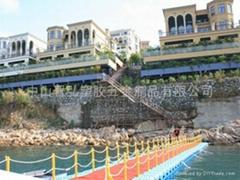 供應水上通行浮橋