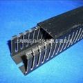EPIN黑色开口齿形PVC行线