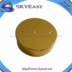 Gold Raised Logo Oxidization Aluminum Bottle Caps with Screw PP Inner