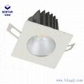方形單顆25W防眩光LED筒燈 1