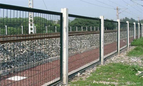 框架式护栏网 2