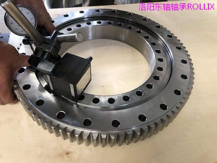 010.20.200 The latest supply of composite slewing bearings  3