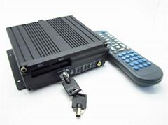 4路双SD卡车载录像机 WIFI 3G  GPS