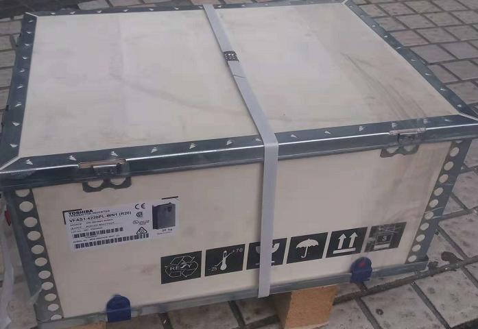 TOSHIBA东芝VFAS1-4220PL矢量型变频器 2