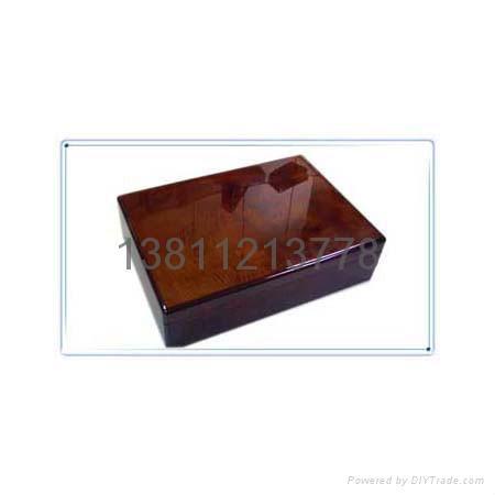 木盒  5