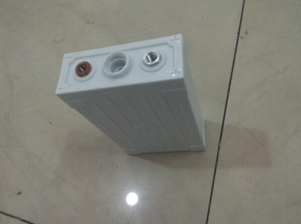 磷酸铁锂电池 3.2V 55ah  1