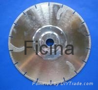 Electro-plated diamond discs with protected -segments 10
