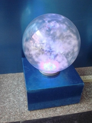 球形羽絨燈箱